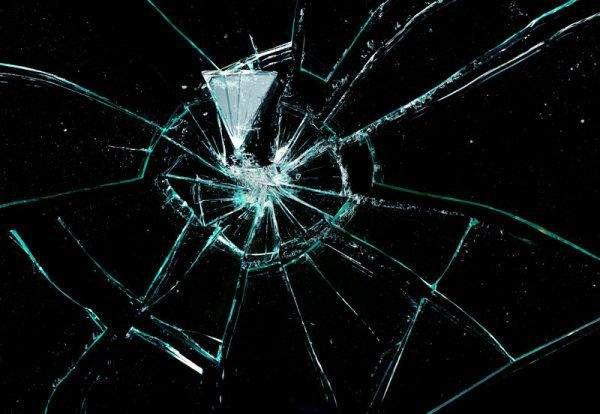 AE快速制作玻璃破碎效果