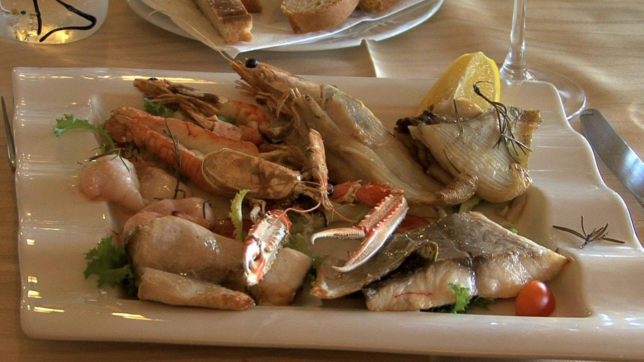 高级餐厅海鲜大餐菜品摆盘美味食物餐厅自助餐高清